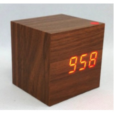 Hnedé LED hodiny s dátumom a budíkom EuB 8467, 6 cm