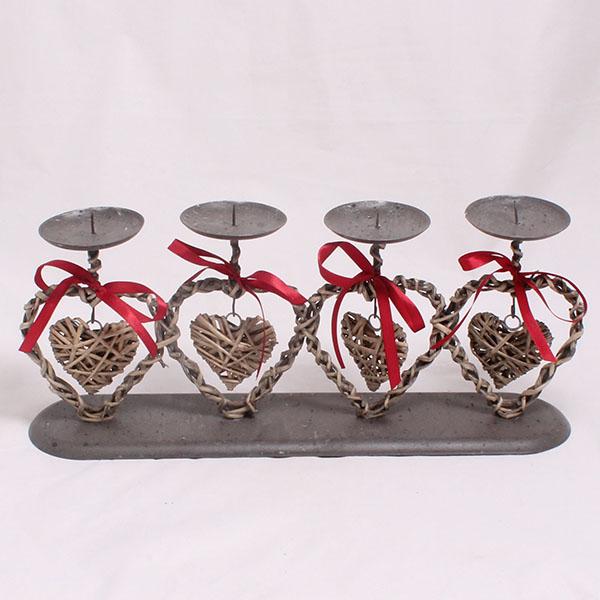 Svietnik kovový -Srdce na štyri sviečky